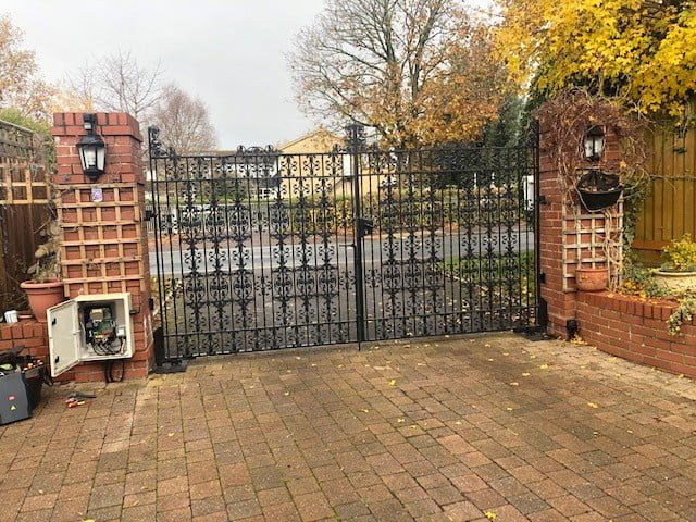 Electric Gates Westbury 14